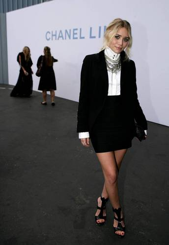 2007 - Chanel Cruise Show