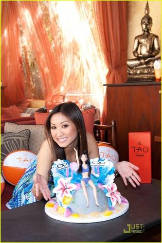 Brenda Song: Tao bờ biển, bãi biển Birthday Bash in Las Vegas!