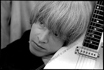 http://images4.fanpop.com/image/photos/20500000/Brian-Jones-brian-jones-20573323-365-247.jpg