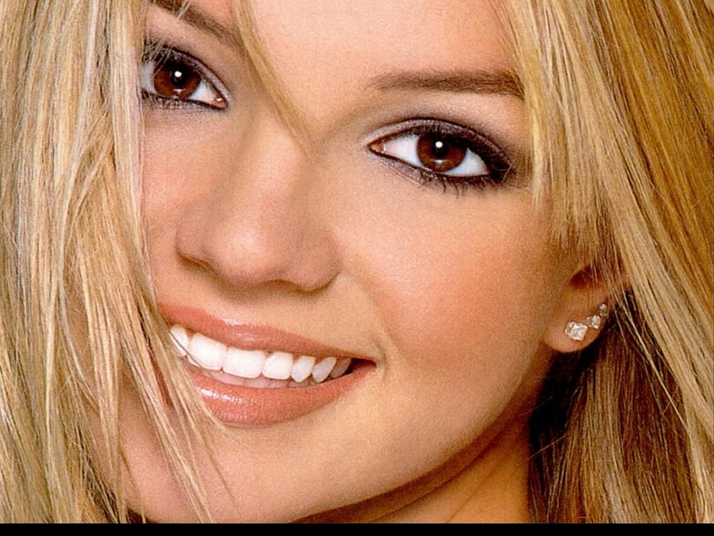 Britney spears close up new photo