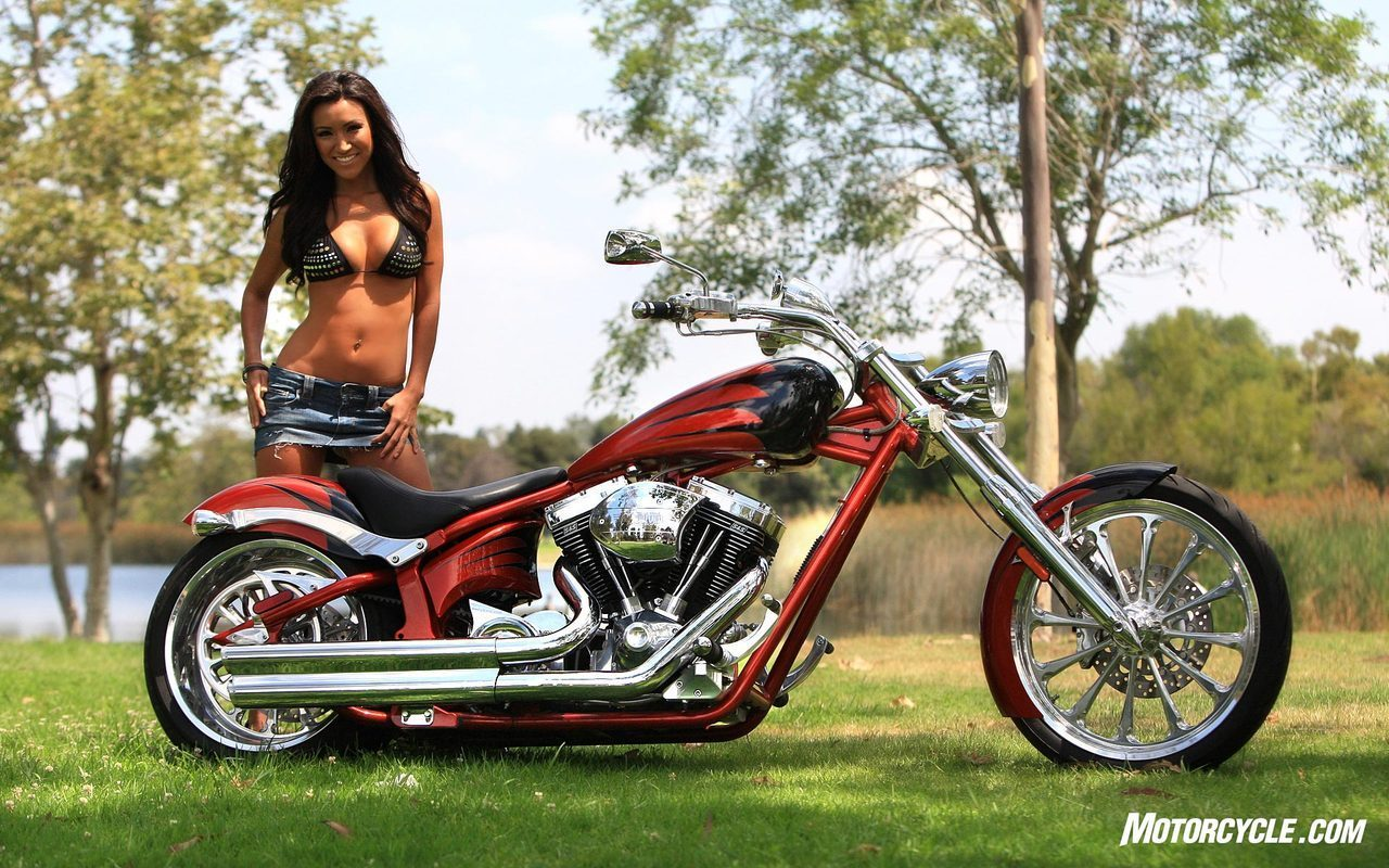 CUSTOM CHOPPER & HOT GIRL