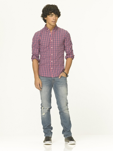Camp rock 2 official photoshot of jonas brother!