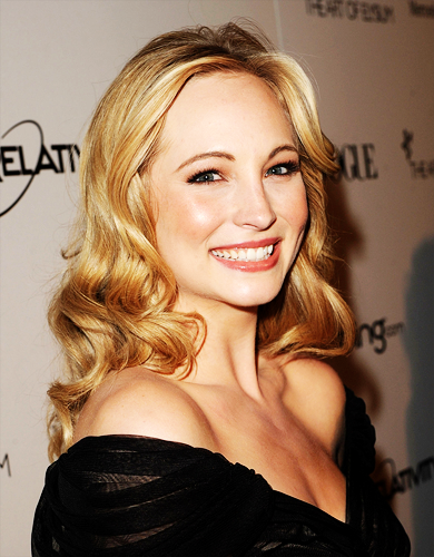 Candice Accola wallpaper containing a portrait entitled Candice Accola