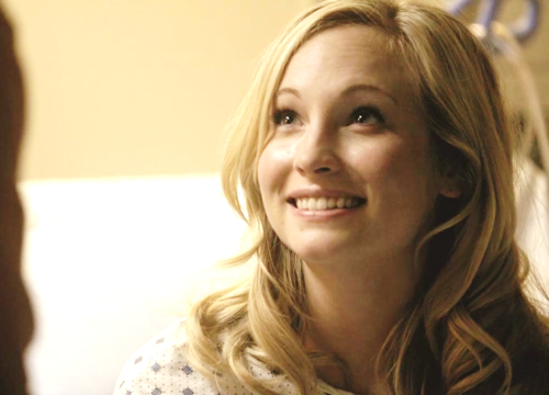 Caroline Forbes wallpaper containing a portrait entitled Caroline Forbes [HQ]. ♥