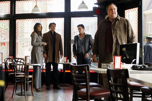 Kate Beckett پیپر وال with a brasserie, a bistro, and a restaurant titled Castle_3x20_Slice of Death_Promo pics