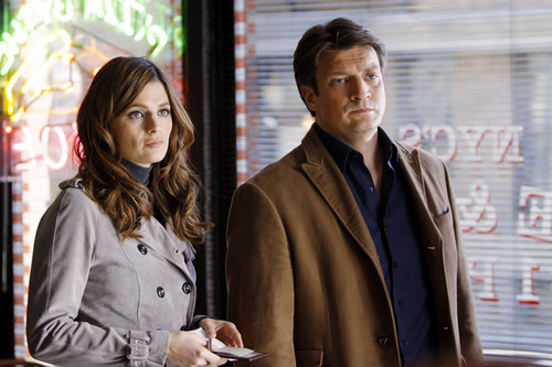 Kate Beckett پیپر وال containing a business suit and a well dressed person titled Castle_3x20_Slice of Death_Promo pics