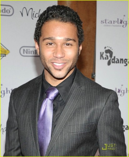 Corbin Bleu: A Stellar Night Storyteller - corbin-bleu Photo