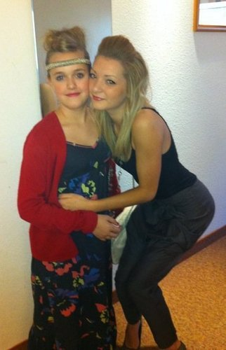 Hannah Wiv Louis Younger Sister Lottie (They Both Look Soo Beautiful) 100% Real :) x