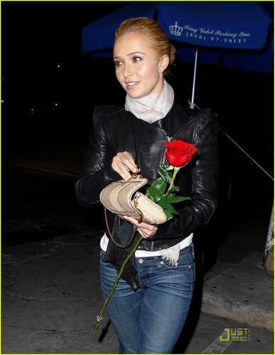 Hayden Panettiere 'Screams' for Sur