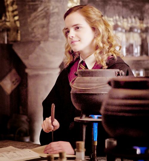 Hermione G. - Hermione Granger Fan Art (21200116) - Fanpop