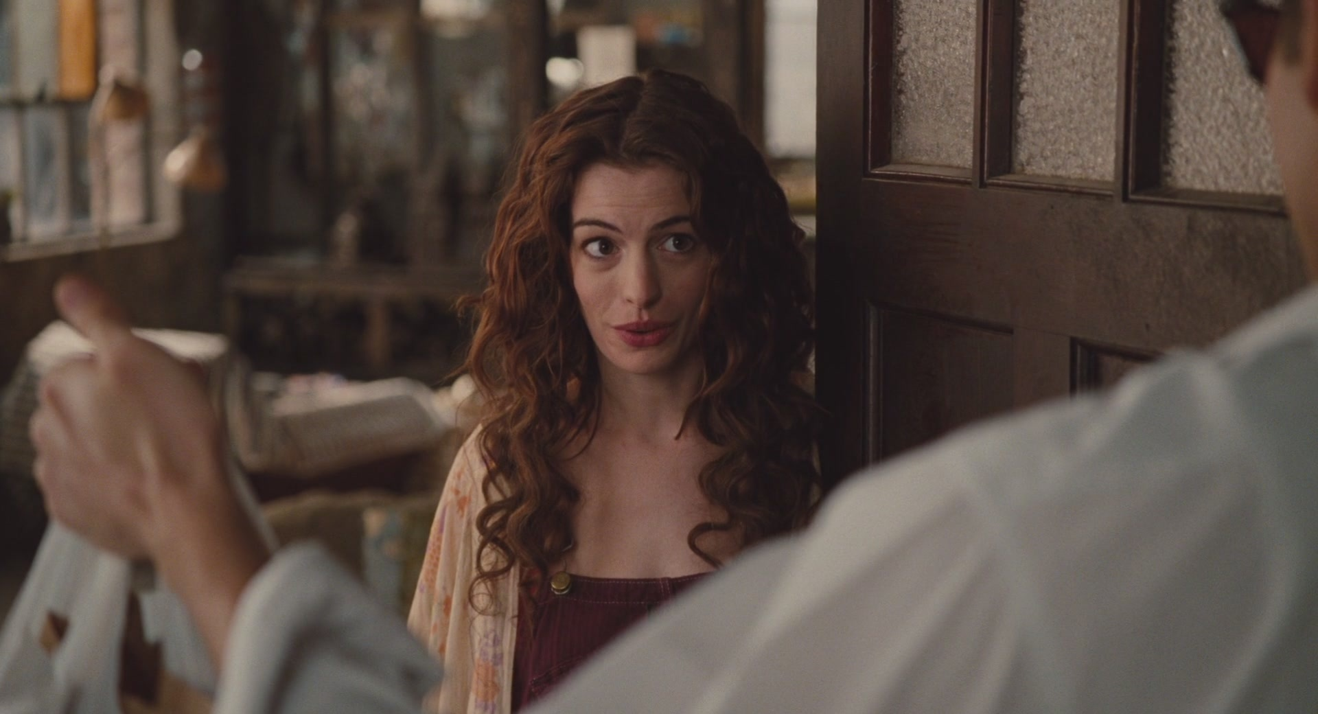 Anne hathaway love and other drgs