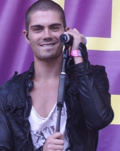 The Wanted Hintergrund titled Max George (Sooo Goregous) 100% Real :) x