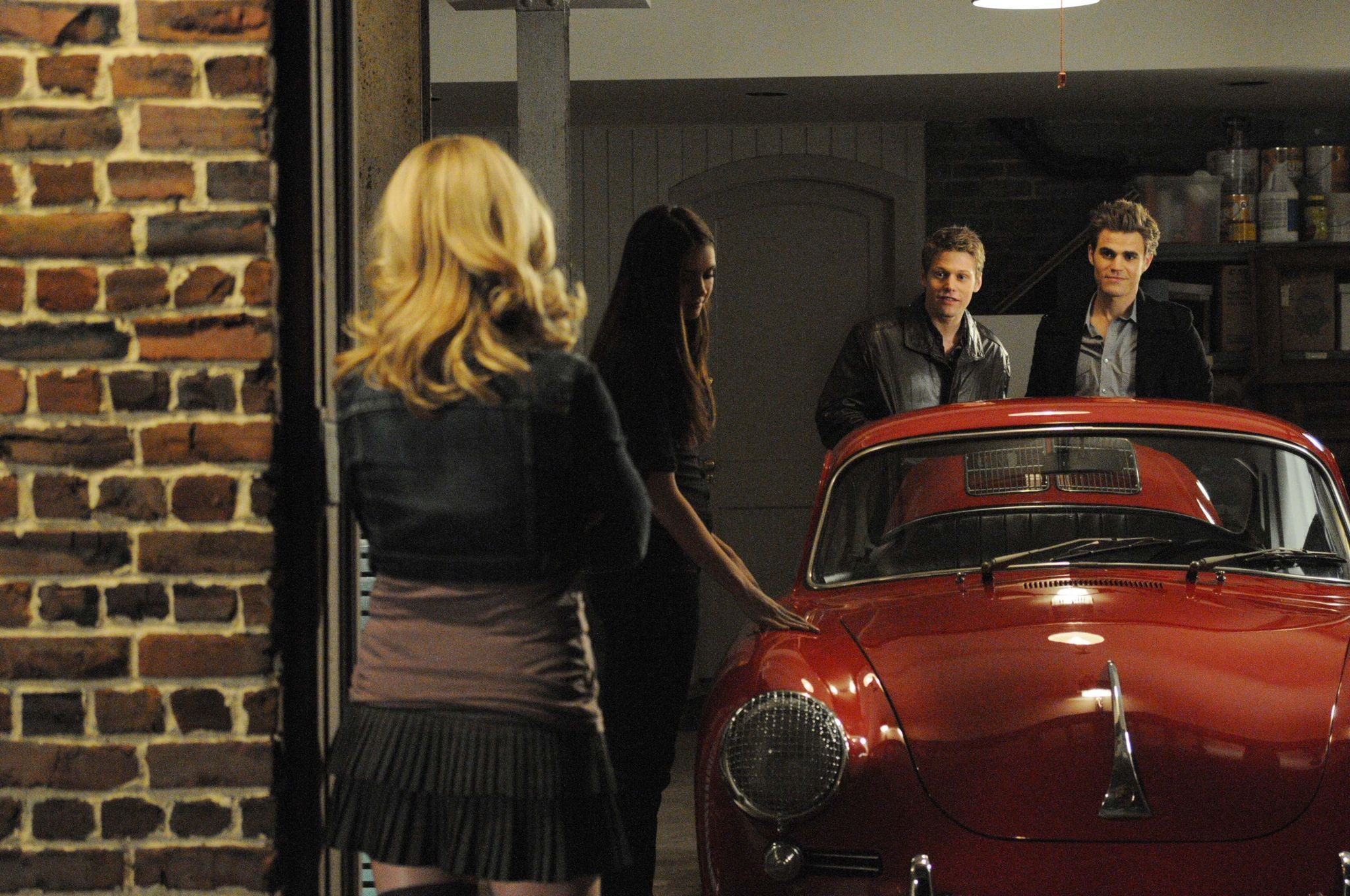 New promo photos for 1.16 There Goes The Neighborhood