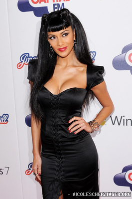 Nicole Scherzinger at Jingle campana, bell Ball 2010