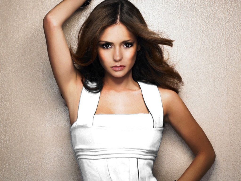 Nina Dobrev - Photo Actress