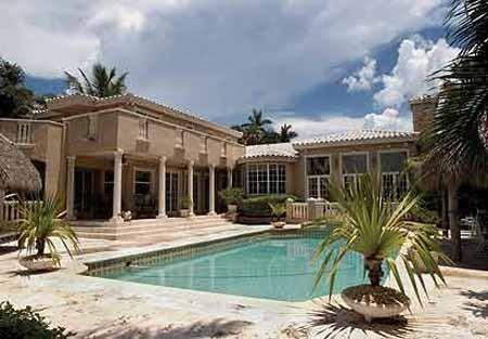 Shakira and Gerard Piqué house