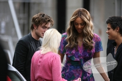 Taping the Tyra Banks প্রদর্শনী in NYC, November 20th, 2008- Taylor <3
