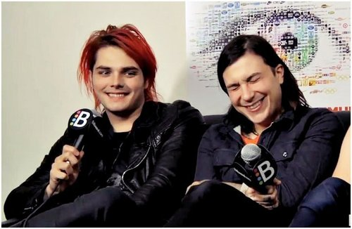 My Chemical Romance Hintergrund containing a portrait entitled frank with gerard/frerard