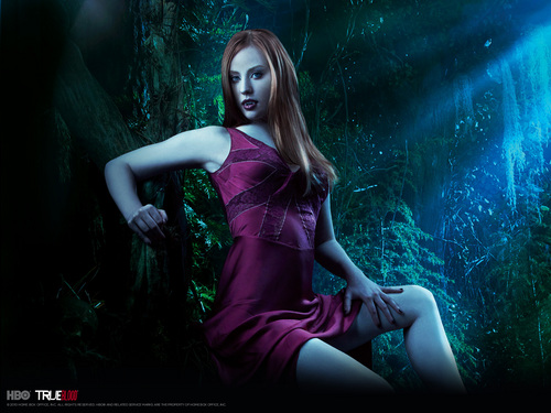 Tunay na Dugo wolpeyper with a kaktel dress called jessica the vampire.