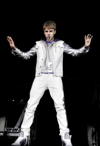 justin bieber at my world tour