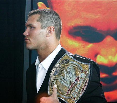 randy with wwe título