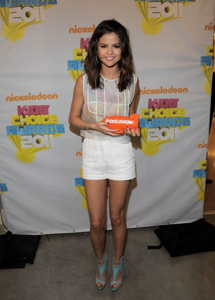 selena gomez kids choice awards 2011. selena gomez kids choice