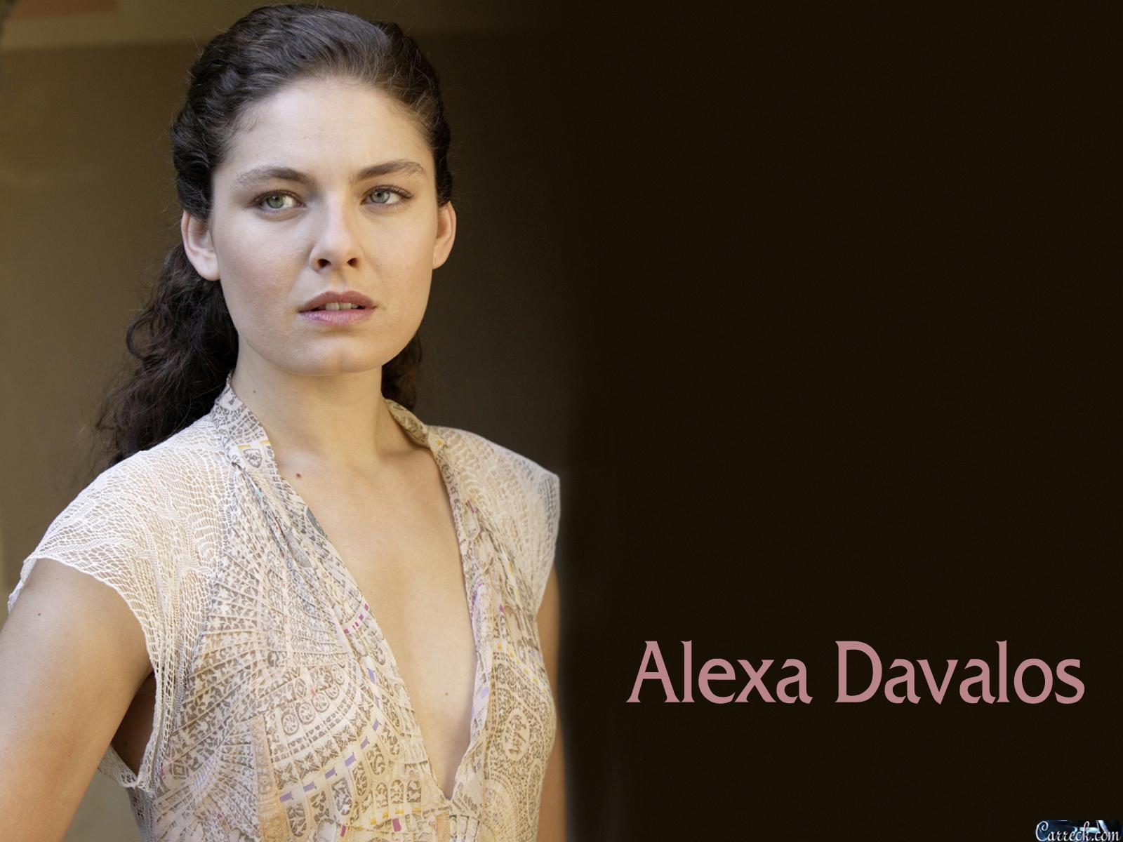 Alexa Davalos 2017