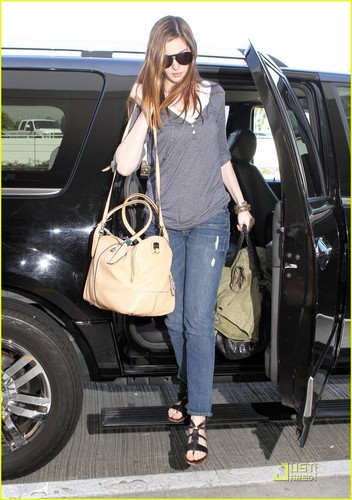 Anne Hathaway & Adam Shulman Jet Out of LAX