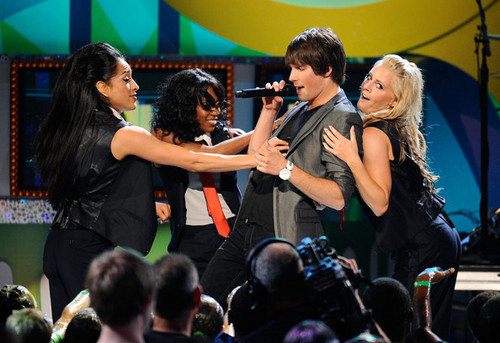 BTR Performance at the 2011 KCA