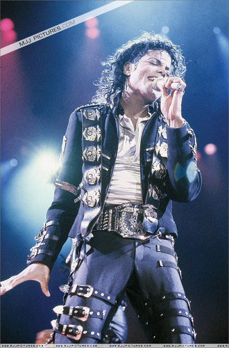 The Bad Era kertas dinding with a konsert entitled Bad Tour Pictures