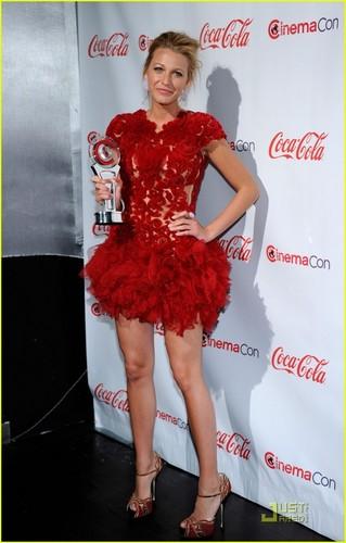 Blake Lively: CinemaCon Awards 2011