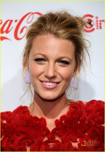 Blake Lively@CinemaCon Awards 2011