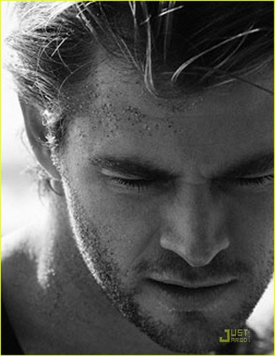 Chris Hemsworth: &#39;Flaunt&#39; Feature! - chris-hemsworth Photo