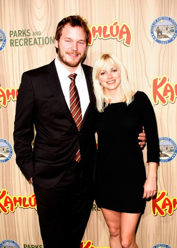 Chris Pratt & Anna Faris @ Premiere Of NBC's 'Parks & Recreation' - 2009