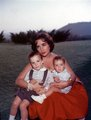 Elizabeth and her children - elizabeth-taylor photo