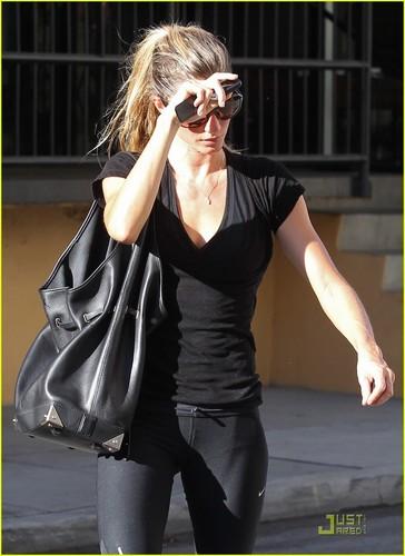 Gisele Bundchen: Workout Woman!