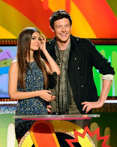欢乐合唱团 at the 2011 Kids' Choice Awards