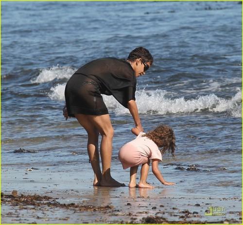 Halle Berry: Bikini Babe in Malibu!