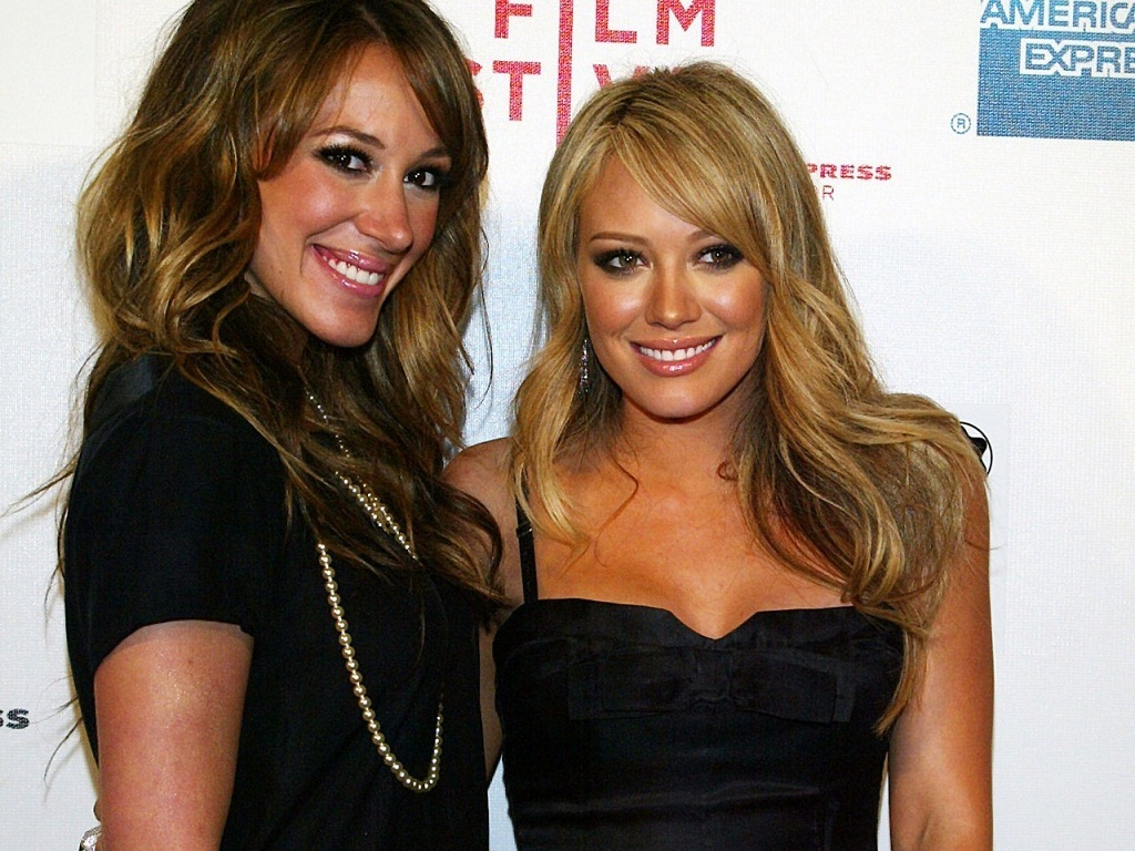 Hilary&Haylie Wallpaper - Hilary and Haylie Duff Wallpaper ...