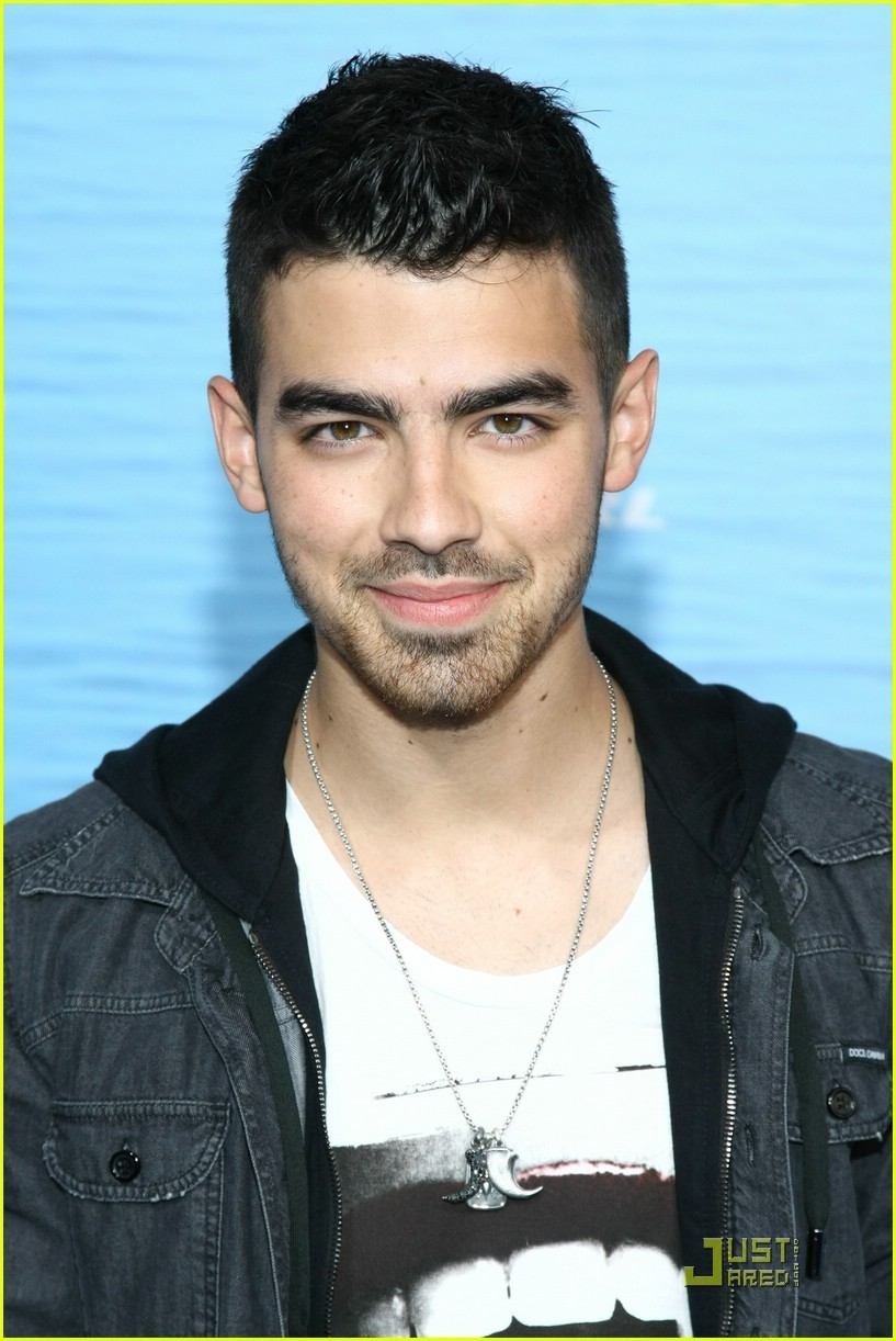 Joe Jonas - Photos