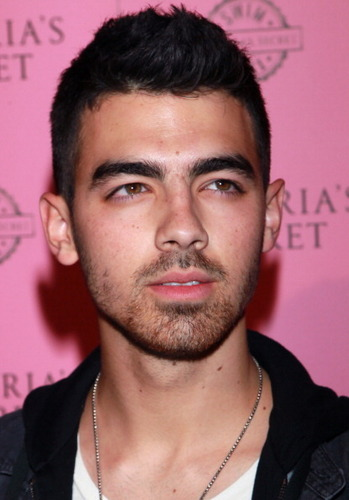 Joe Jonas 2011 - the-jonas-brothers Photo
