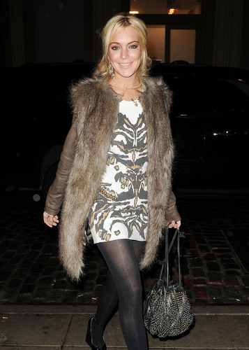 Lindsay Lohan 2011-03-31 - spotted out at the hotel in New York