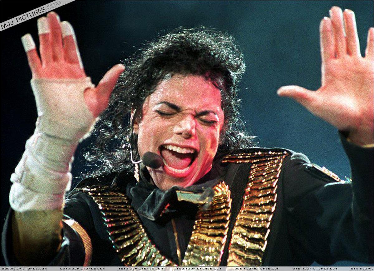 Várias *-* !!!!!!!! Michael-Jackson-Dangerous-dangerous-era-20605564-1200-872