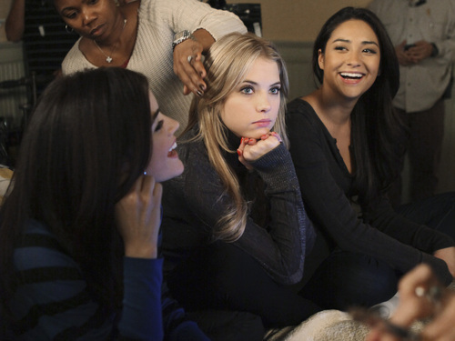 Pretty Little Liars ~ Behind The Scenes