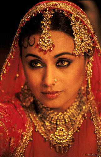 Rani Mukherjee kertas dinding called RANI