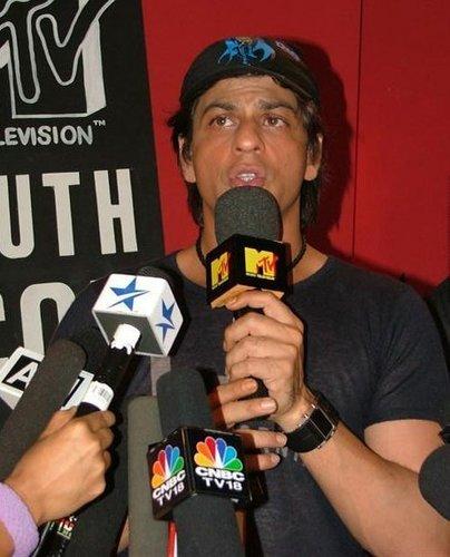 Shahrukh Khan wallpaper entitled SRK