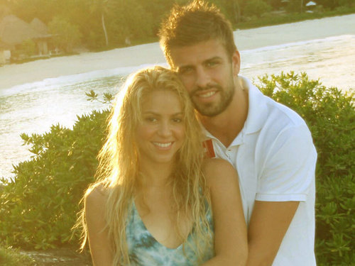 Shakira officially with Piqué