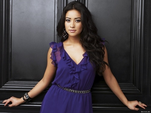 Pretty Little Liars wallpaper with a dinner dress entitled Shay Mitchell