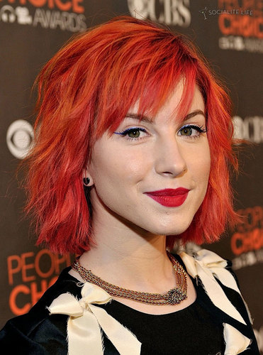 Short Bright naranja Hair
