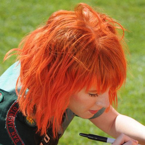 Short Bright оранжевый Hair